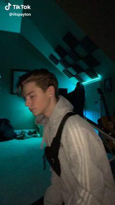 Hot Emo Boys, Cute Teenage Boys, Cute Boy Things, Cute Guys, Abs Boys, Beauty Of Boys, Dance Choreography Videos, Shawn Mendes Wallpaper, Cool Dance