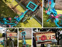 BODA CIVIL. FESTEJOS EN CASA Decoramos esta bici para la llegada de los novios a la celebración de su boda.