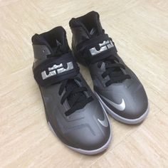LeBron James Nike Zoom Soldier VII Barely worn and in excellent condition. Looks new. The shoes are great both on and off the basketball court.  Nike Shoes Athletic Shoes