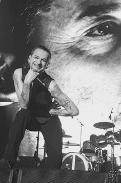 I'm a fan forever! Martin L, Dave Gahan, David Bowie, Guys, Concert, People, Chester, Yum Yum, Bands