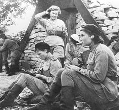 """The Lethal Soviet """"Night Witches"""" of the 588th Night Bomber Unit  - called """"girlies"""" at first"""
