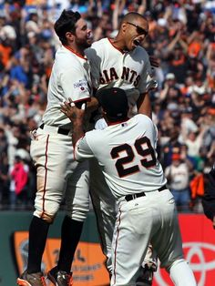 CELEBRATE GOOD TIMES: Baseball's Walk-Off Wins - April 23 -  Giants' Justin Maxwell singled home the winning run with one out in the 10th inning to sweep the Dodgers.  -    © Lance Iversen, USA TODAY Sports