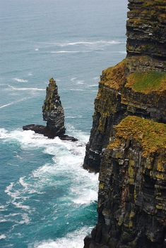 Cliffs of Moher, Ireland. My absolute dream vacation, had been for years now. Hopefully one day I'll finally see it for myself