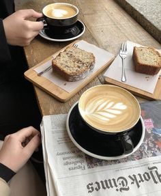 Discover recipes, home ideas, style inspiration and other ideas to try. I Drink Coffee, Coffee Cafe, Coffee Break, Morning Coffee, Coffee Shop, Coffee Is Life, I Love Coffee, My Coffee, Flüssiges Gold