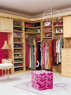 Begehbarer kleiderschrank rosa  schuhe stuhl klassisch regale begehbarer kleiderschrank ...