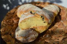 Bistro32: CIABATTA S OLIVAMI A TYMIÁNEM Ciabatta, Bread, Food, Brot, Essen, Baking, Meals, Breads, Buns