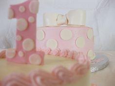 polka dot cakes
