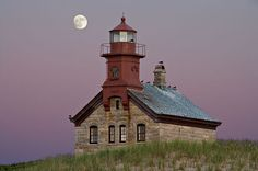 DS-1475    Full Moon Over the North Light