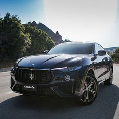 Maserati Levante: the strength of a SUV, the elegance of Maserati. Luxury Car Brands, Best Luxury Cars, Luxury Suv, Bugatti, Maserati Car, Ferrari, Fancy Cars, Cool Cars, My Dream Car