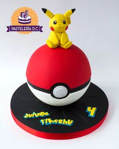 Chocolate Pinata, Hot Chocolate Gifts, Chocolate Hearts, Pokeball Cake, Pikachu Cake, Pikachu Pokeball, Pokemon Birthday Cake, Pokemon Party, Pokemon Cakes