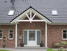 Canopy ♥ Source by Exterior Paint Colors, Paint Colors For Home, Small Room Interior, Mid Century Exterior, Window Canopy, Roof Window, Backyard House, Home Ceiling, Farmhouse Remodel