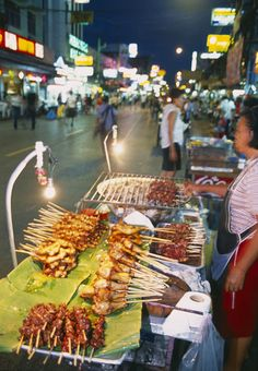 Street food - Mobile food stand, Bangkok, Thailand | David Noton Photography