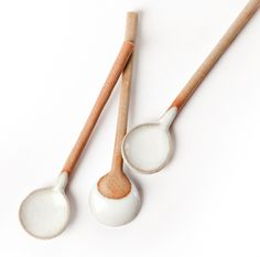White dipped spoons #design #objects #kitchen #useful #design #tableware #kitchenware