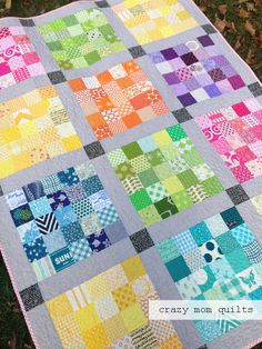 A Quilter's Palette, stitched by Amanda Jean at CrazyMomQuilts, designed by Rita of Red Pepper Quilts. I love the look of the in color groups, with the gray sashings. Scrappy Quilt Patterns, Jellyroll Quilts, Scrappy Quilts, Easy Quilts, Mini Quilts, Bargello Quilts, Flannel Quilts, Quilt Baby, Quilting Projects