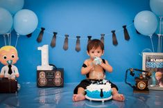 Smash the cake Klaus o poderoso chefinho. Boy Birthday Pictures, Bernardo, Cake, One Year Anniversary, 1 Year, Baby Boys, Kuchen, Torte, Cookies