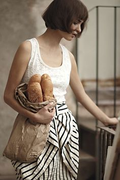 love the tousled hair, thick bangs, striped bow skirt, & baguettes Bow Skirt, Stripe Skirt, Tulip Skirt, Draped Skirt, Sexy Skirt, Midi Skirt, French Fashion, Look Fashion, Black And White Outfit