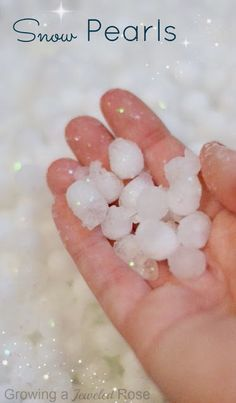 Make SNOW PEARLS for fabulous Winter play- these amazing gems are delightfully cold and squishy. They are frozen and slowly melt and transform as kids play just like snow!