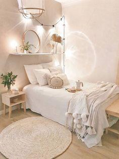 Cute Bedroom Decor, Room Design Bedroom, Teen Room Decor, Stylish Bedroom, Room Ideas Bedroom, Small Room Bedroom, Small Rooms, Small Teen Room, Apartment Bedroom Decor