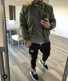 8 Tenacious Tips: Urban Wear Socks urban fashion casual grey.Urban Fashion For Men Boots. Urban Outfits, Mode Outfits, Fashion Outfits, Fashion Ideas, Fashion Guide, Urban Dresses, Fashion Hats, Fashion Shoot, Fashion Design