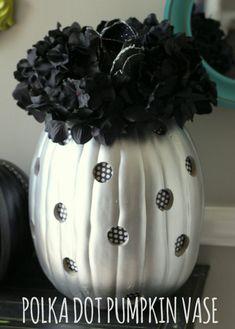 Polka Dot Pumpkin Vase { lilluna.com } I wouldn't use black flowers, though...