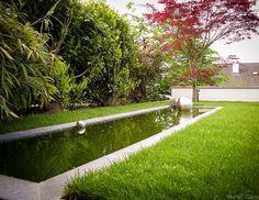 Formales Wasserbecken