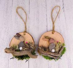60 Easter Holiday Home Decorations Easter Crafts Ideas Rock Crafts, Diy Crafts To Sell, Diy Crafts For Kids, Wood Slice Crafts, Coaster Crafts, Diy Ostern, Easter Projects, Easter Holidays, Nature Crafts