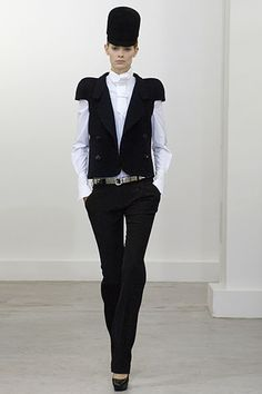 Balenciaga Fall 2006 Ready-to-Wear Collection Slideshow on Style.com