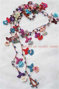 Handmade Crochet Necklace Oya with Red Flowers by redapplet Crochet Motifs, Freeform Crochet, Crochet Art, Love Crochet, Crochet Flowers, Crochet Patterns, Crochet Beaded Necklace, Knitted Necklace, Crochet Bracelet