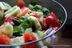 15 retete de salate pentru slabit sanatos. Salate delicioase si rapide – Sfaturi de nutritie si retete culinare sanatoase Fruit Salad, Veggies, Fresh, Food, Fitness, Fine Dining, Fruit Salads, Vegetable Recipes, Eten