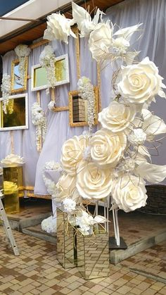 paper flower centerpieces Giant Paper Flower - Foam Flowers With Stems - Lagre Paper Flowers - Large Flowers - Izolon Flowers - curlyhair club Large Paper Flowers, Paper Flower Wall, Crepe Paper Flowers, Giant Paper Flowers, Flower Wall Decor, Paper Roses, Paper Flower Backdrop Wedding, Paper Flower Centerpieces, Flower Decorations