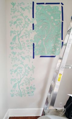 Cutting Edge Stencils shares how to stencil the Chinoiserie Birds and Berries Wall Mural Panel for a wallpaper look. Shipping Container Home Designs, Container House Design, Chinoiserie Wallpaper, Diy Painting, Painting Walls, Wall Treatments, Wall Design, Wall Murals, Stencils