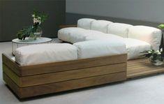 Euro Paletten Möbel - moderner Sofa mit integrierten Regalen