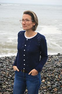 Margot (Lady) is a mid-season cardigan which features a lace raglan and a lace panel on the front. The neckline is finished by an I-cord, and the sleeves and body hem by twisted ribbing. Cardigan Pattern, Anna, Sweaters, Cardigans, Ravelry, Lady, Tops, Women, Fashion