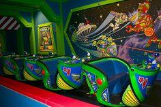 Buzz Lightyear Astro Blasters, Magic Kingdom, Disney World Disney Parks, Disney World Rides, Walt Disney, Parc Disneyland Paris, Disneyland Rides, Attractions Disneyland, Disney Magic Kingdom, Disney Scrapbook, Scrapbooking