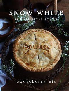 Snow White and the Seven Dwarfs: Gooseberry Pie