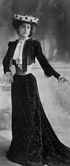 Robe de diner, 1902