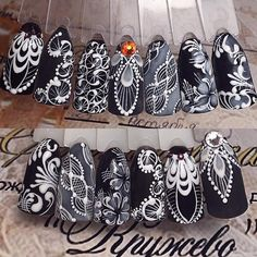 White ornaments on black nails Lace Nail Art, Lace Nails, Flower Nails, Beautiful Nail Designs, Beautiful Nail Art, Cool Nail Designs, Mandala Nails, Nail Patterns, Stylish Nails