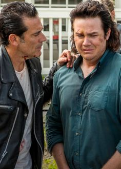Negan and Eugene in The Walking Dead Season 7 Episode 8   Hearts Still Beating