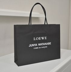 papaer bag Design Print Graphic Fashion 紙袋 デザイン 印刷 グラフィクデザイン ファッション Shoping Bag, Brand Identity, Branding, Gift Hampers, Bag Design, Paper Bags, Designer Bags, Printing Services, Karma