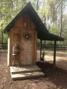 Henhouse, just needs to be bigger Outdoor Toilet, Outdoor Baths, Outdoor Bathrooms, Outhouse Bathroom, Outdoor Projects, Outdoor Decor, Pump House, Barns Sheds, Composting Toilet