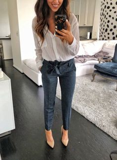 40 Trendy Work Attire & Office Outfits For Business Women Classy Workwear for Professional Lo. 40 Trendy Work Attire & Office Outfits For Business Women Classy Workwear for Professional Look, Spring Work Outfits, Casual Work Outfits, Mode Outfits, Work Casual, Classy Outfits, Chic Outfits, Fashion Outfits, Women's Casual, Fashion Fashion