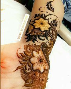 Round Mehndi Design, Arabic Bridal Mehndi Designs, Pretty Henna Designs, Modern Henna Designs, Mehndi Designs Feet, Latest Henna Designs, Floral Henna Designs, Henna Art Designs, Mehndi Designs For Girls