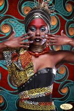 Tyler Dolan photo for Afrovibes 2014 featuring Fashion designer and makeup artist Ebony Rae Aberdein. Model Anele The South African African Fashion Designers, African Inspired Fashion, African Men Fashion, Africa Fashion, African Beauty, Ethnic Fashion, African Women, African Art, African Style