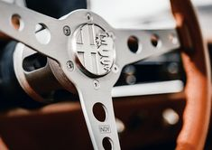 【新車情報】アルファロメオのジュリアGTがEV化で蘇る! | AUTO BILD JAPAN Web(アウトビルトジャパンウェブ) 世界最大級のクルマ情報サイト Cabin Crafts, Car Up, Crate Motors, Alfa Romeo Giulia, Air Conditioning System, Classic Italian, Totems, Electric Motor, Automatic Transmission
