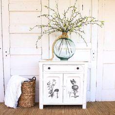 15 cómodas customizadas con transfer para decorar muebles espectaculares Upcycled Home Decor, Upcycled Crafts, Repurposed, Salvaged Furniture, Painted Furniture, Malm, Wild West, Transforming Furniture, Forest Decor