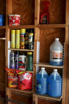Awesome 70 Clever Garage Organization Ideas source : https://spaciroom.com/70-clever-garage-organization-ideas/ Diy Shed Plans, Wood Shed Plans, Storage Shed Plans, Workshop Organization, Diy Workshop, Garage Workshop, Make It Simple, Cool Things To Make, Shed Kits
