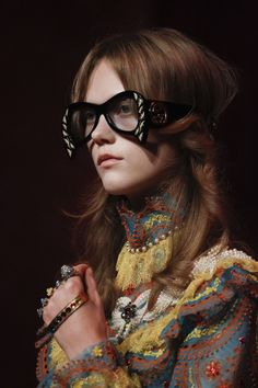 Under the glasses bangs -Gucci spring 2017