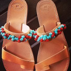 Handmade leather sandals!!! Make your order now!!! Contact sofi_r@windowslive.com. Free shipping!! Palm Beach Sandals, Handmade Leather, Leather Sandals, Make It Yourself, Free Shipping, Shoes, Fashion, Moda, Zapatos
