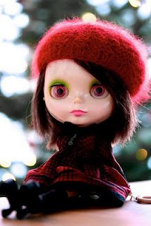 Blythe Doll in Action
