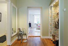 Ideas Vintage, Ideas Geniales, Corridor, Decoration, Oversized Mirror, Architecture, Furniture, Beautiful, Color